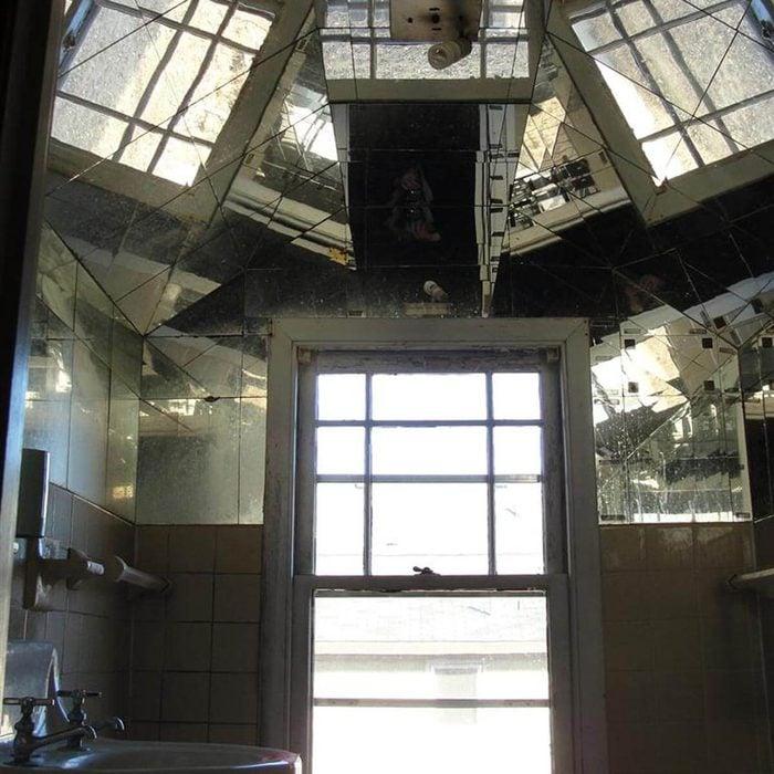 Wonder what the bedroom ceiling looks like?