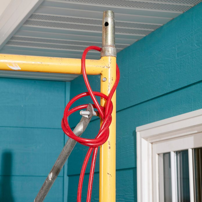 Hanging Hose From Scaffolding   Construction Pro Tips