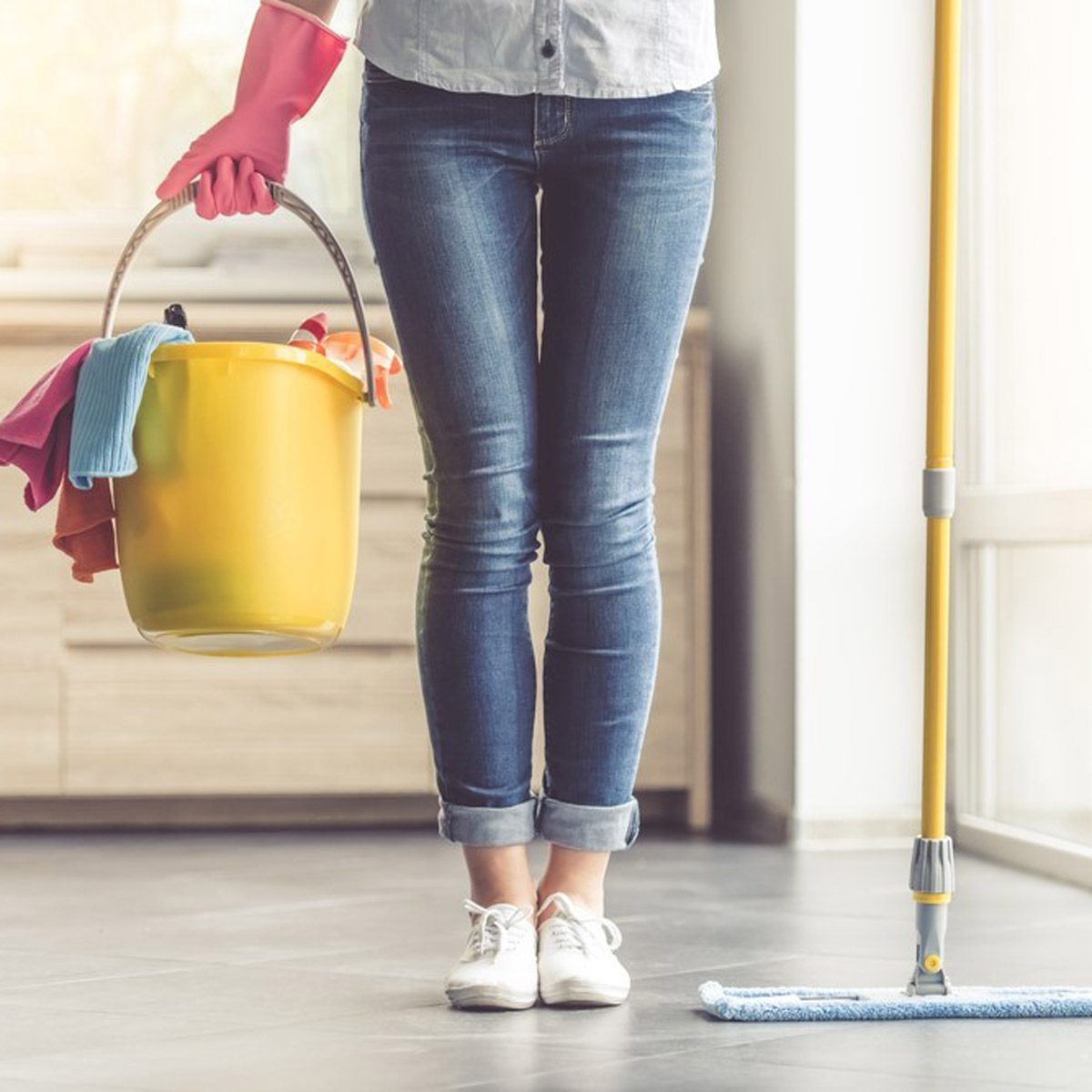 Clean the Carpet, Polish the Floors to Sell Your Home