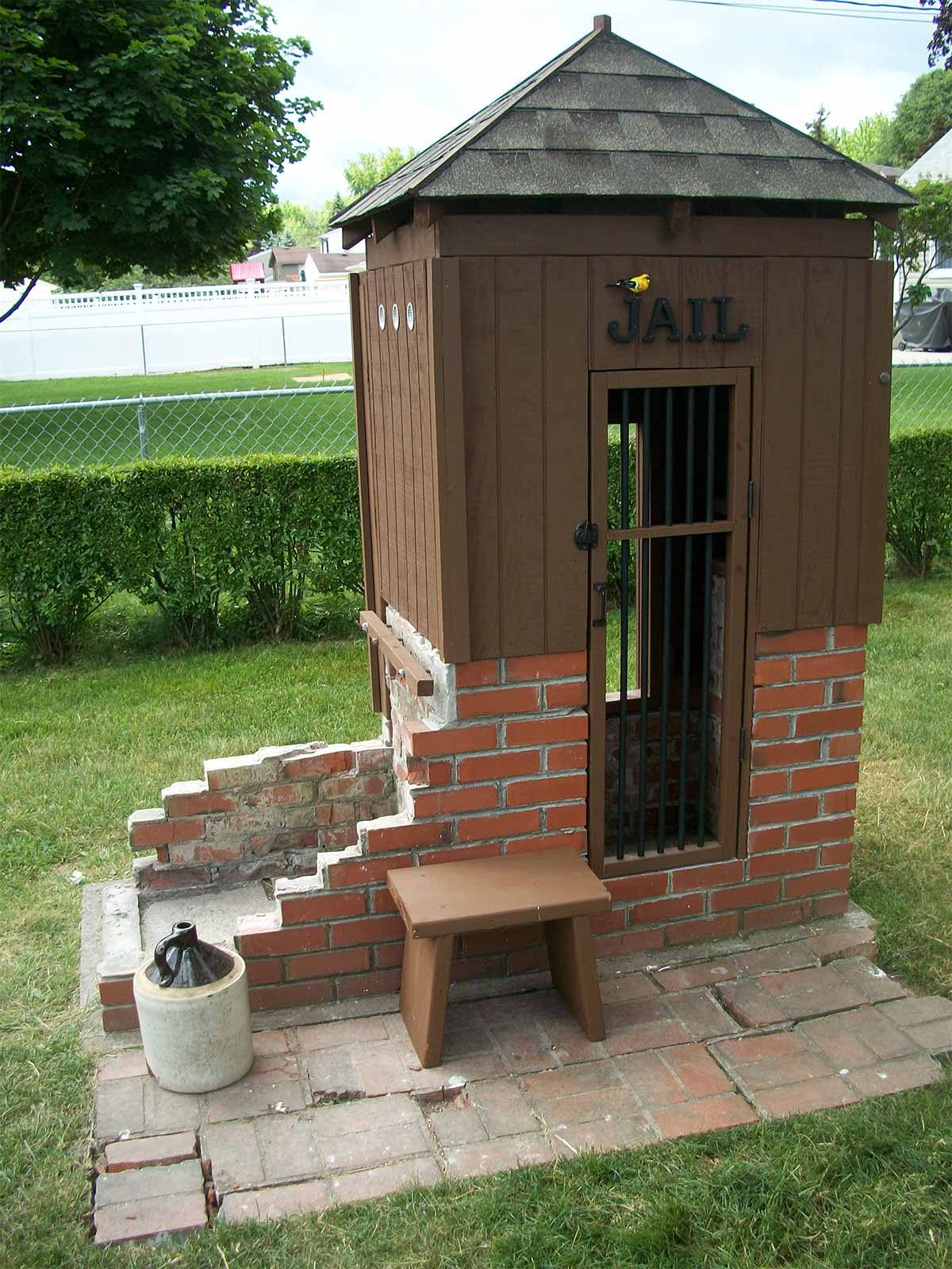Reader project jail playhouse the family handyman for Playhouse project