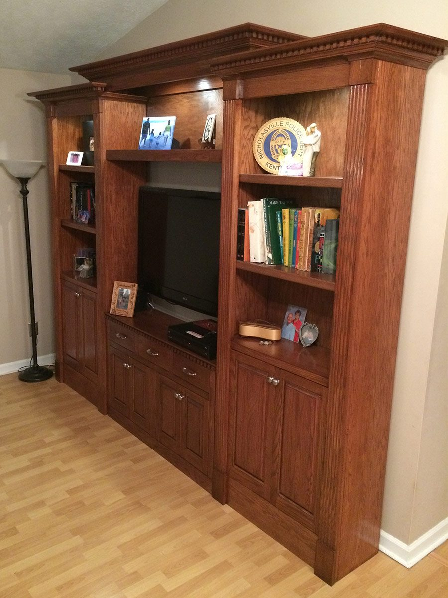 reader classic bookcase side view