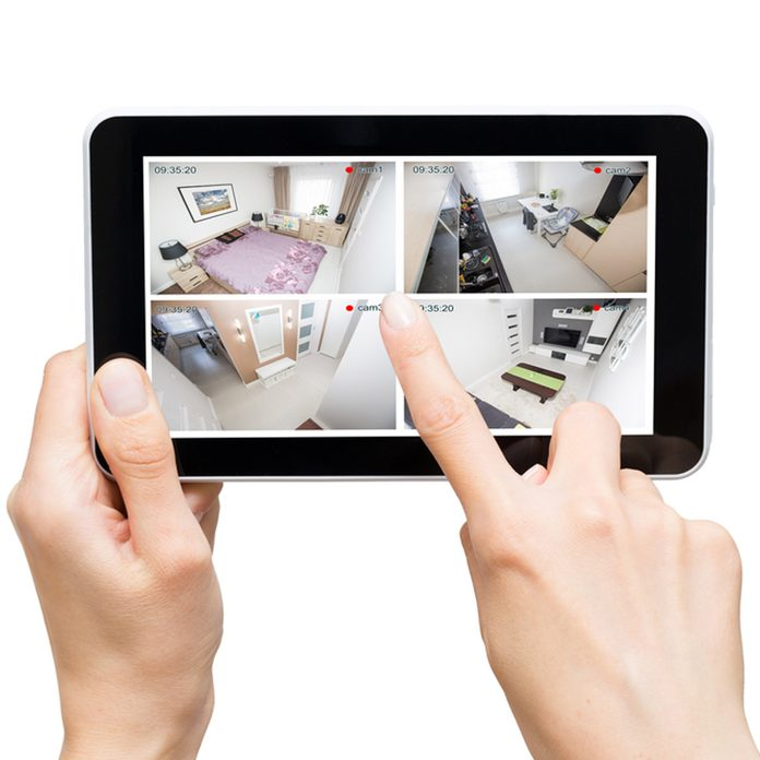 shutterstock_519437965 iPad cloud security camera app storage records in real time