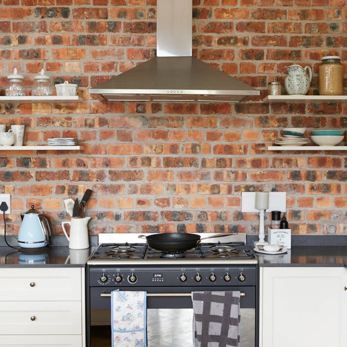 shutterstock_627683693 brick kitchen backsplash open shelves