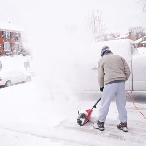 What You Need to Know Before Buying an Electric Snow Blower
