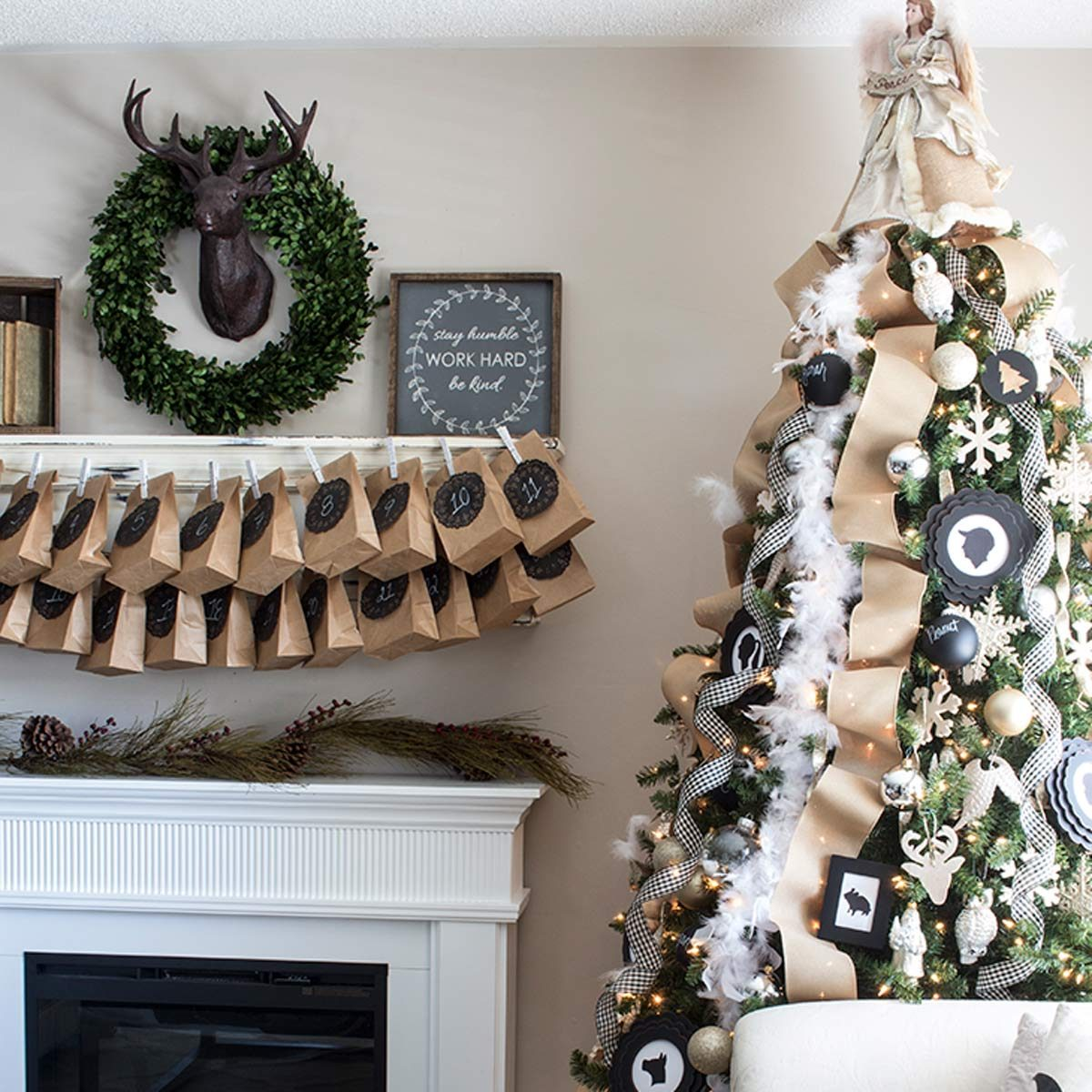 Christmas Tree Design Ideas: Glittery Neutral Christmas Tree