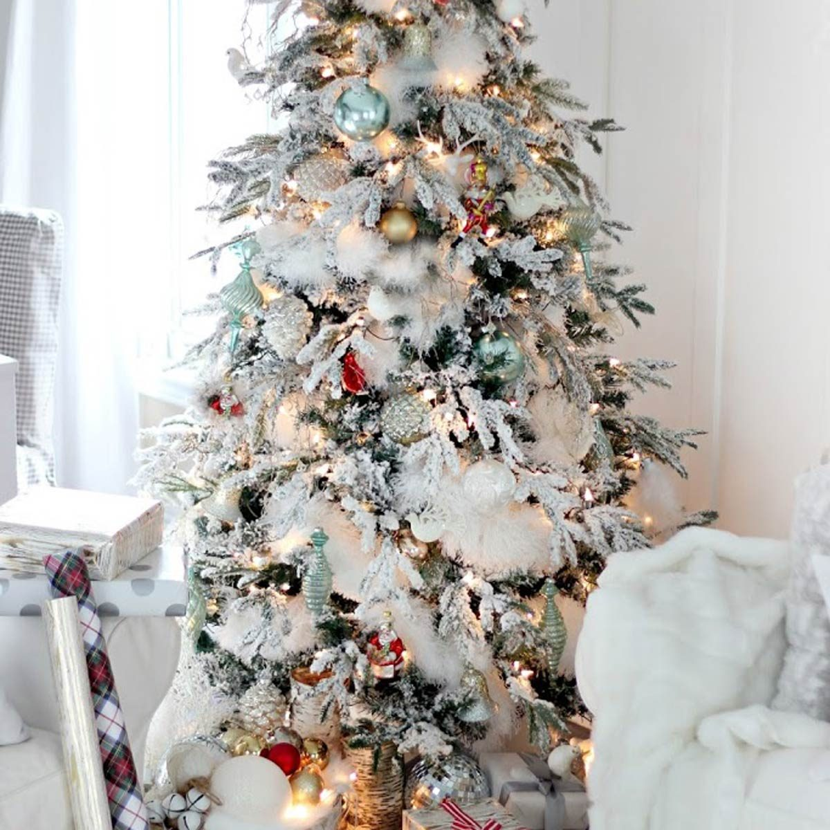 100 Incredible Christmas Tree Decorating Ideas