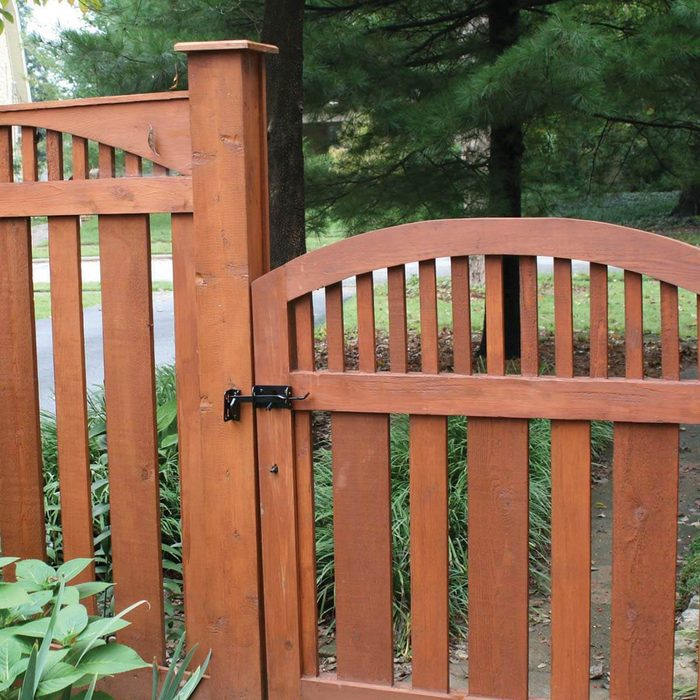 Perfect-Fit Fence