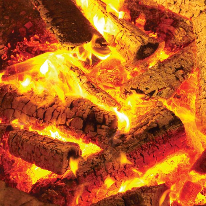 FH10MAR_506_52_810 burning firewood fire logs