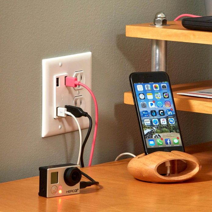 USB outlet installation