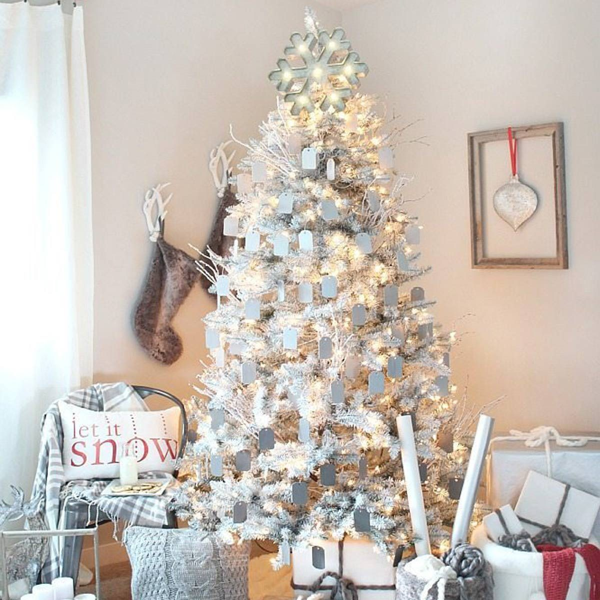 100 Incredible Christmas Tree Decorating Ideas | The Family Handyman