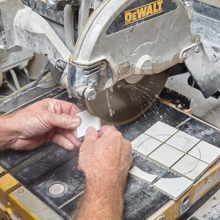 cutting curves into small tiles   Construction Pro Tip