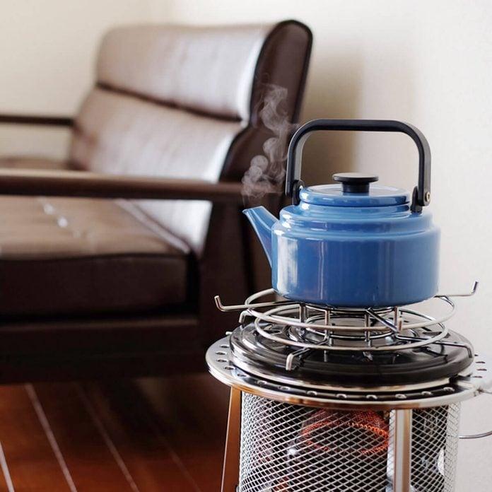 dfh2_shutterstock_372259246 kerosene heater tea pot kettle