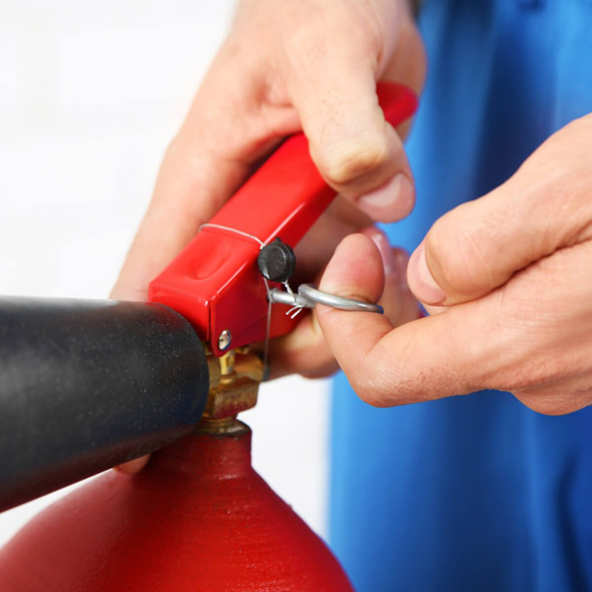 Know How to Use Fire Extinguishers