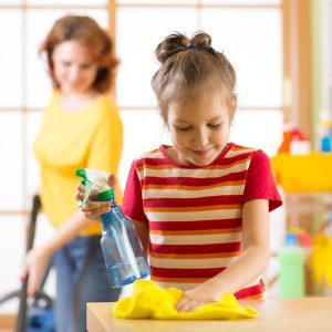 12 Tips for Keeping Your Home Clean During Holidays