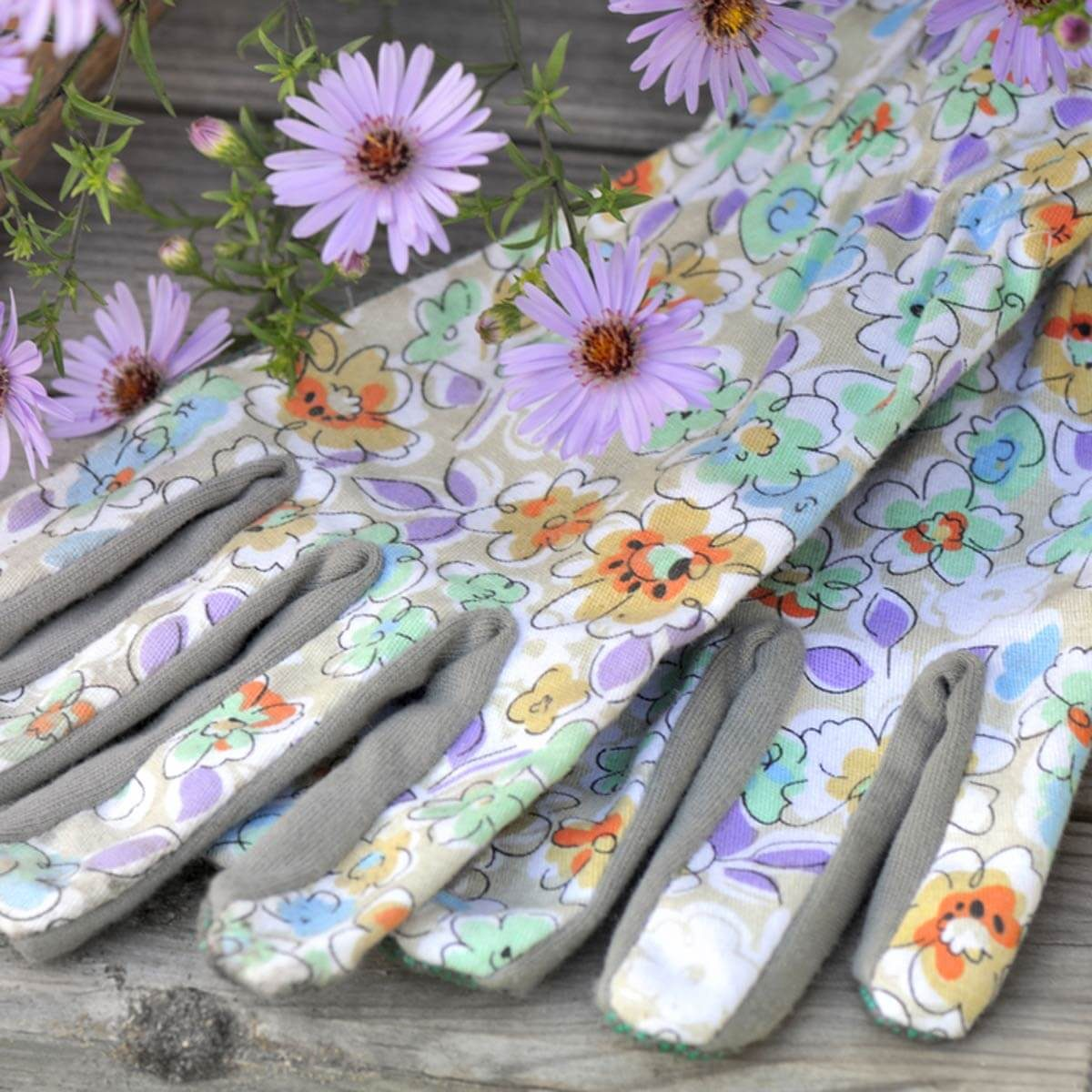 26 incredible gift ideas for gardeners the family handyman gardening gloves workwithnaturefo