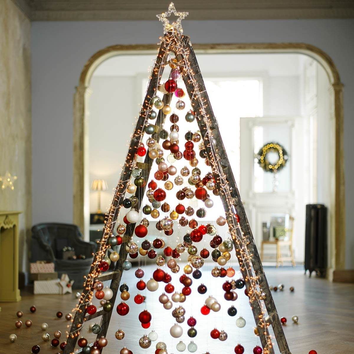 25 100 ladder tree - Christmas Ladder Decor