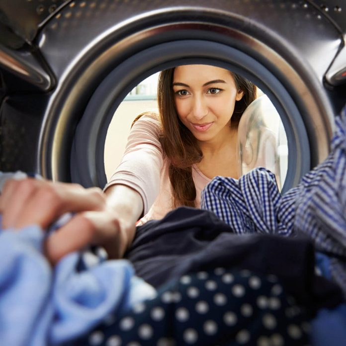 shutterstock_236885437 washing clothes