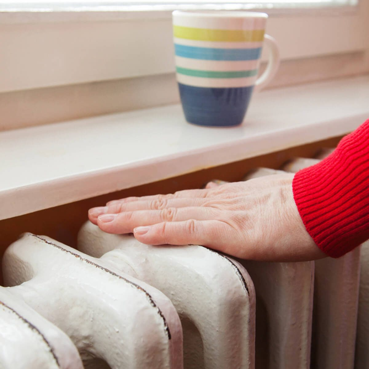 shutterstock_514910308 radiator warm home tea