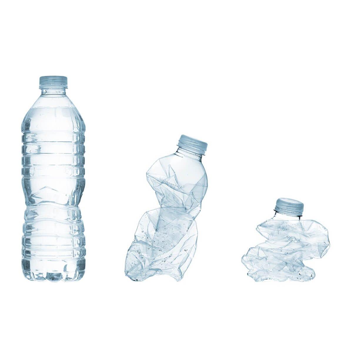 Esmagar garrafas de plástico