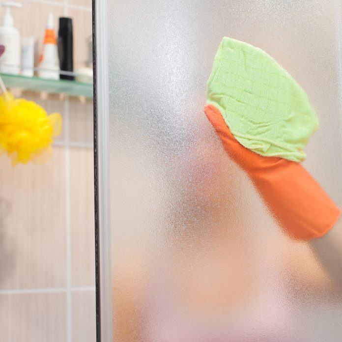 sprayshower_641665774 cleaning the bathroom shower
