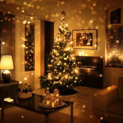 warmlight_597409322_10 christmas tree