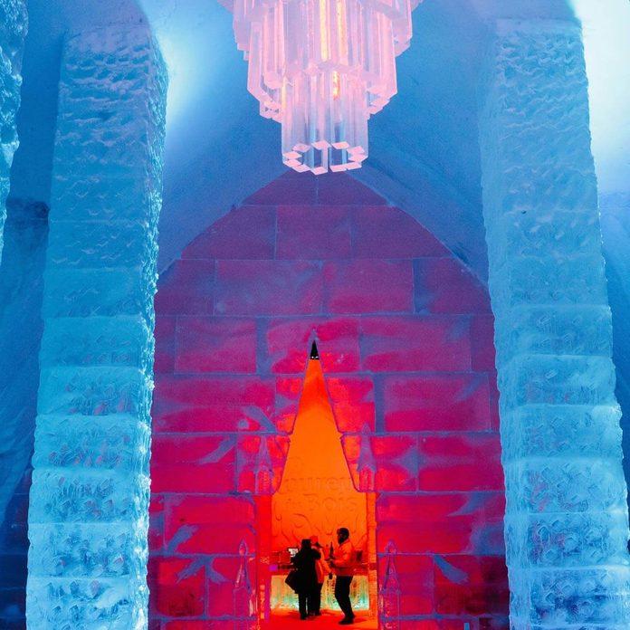 05_hall-1 ice castle hotel