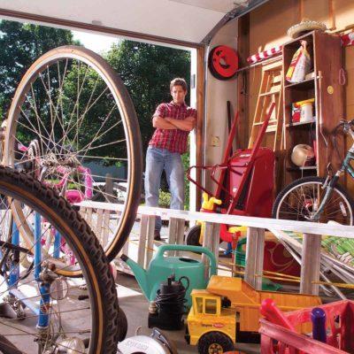 messy garage organization