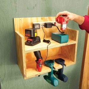 Cordless drill-driver station