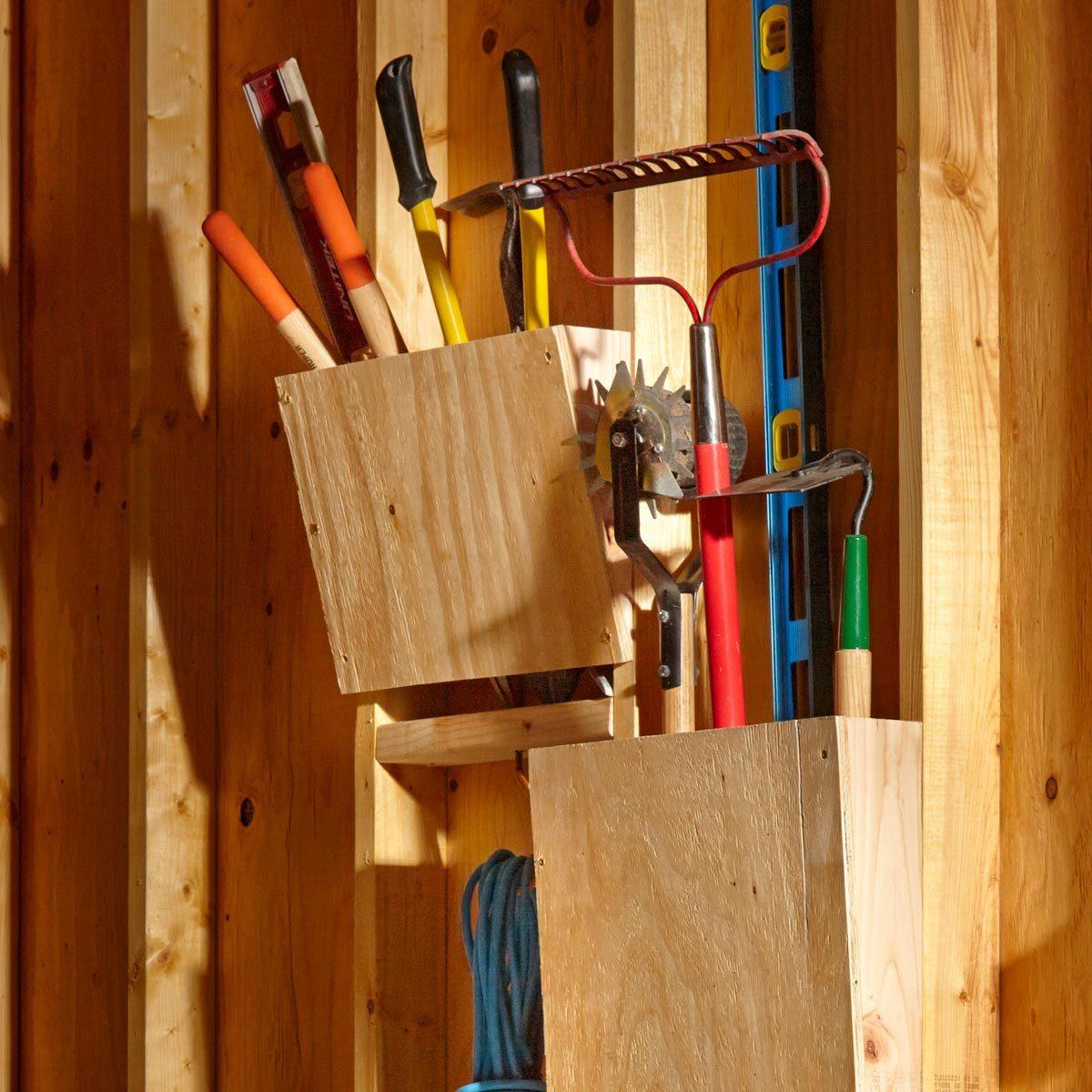 FH15FEB_555_50_079 slanted garden rack storage