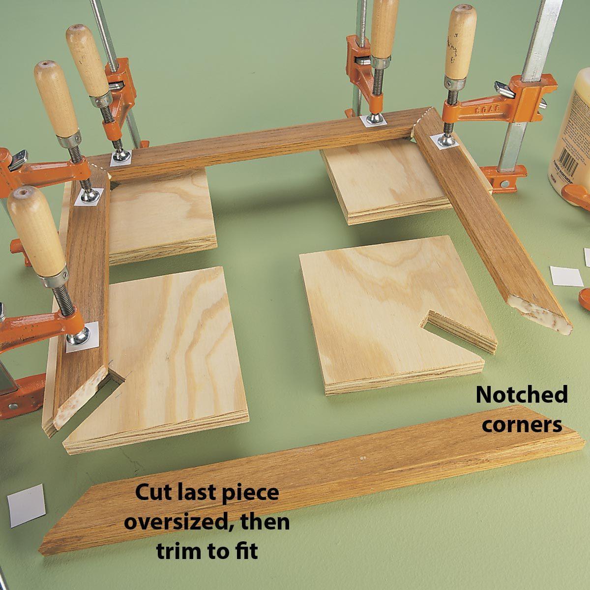 Corner gluing aid tip