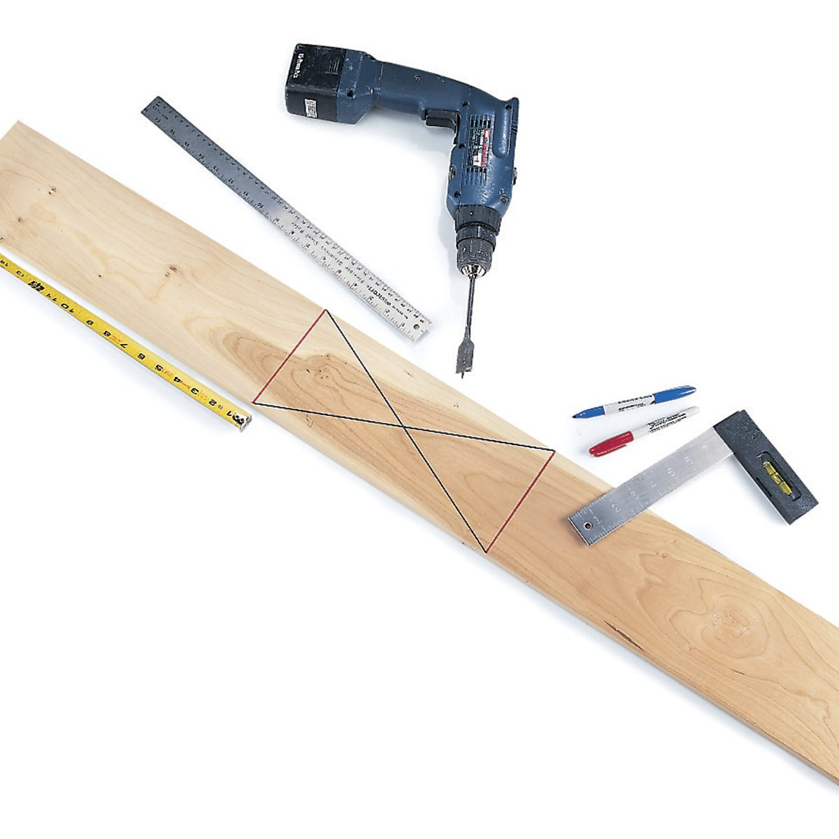 Find Board quick center-finding — workshop tips from the family handyman