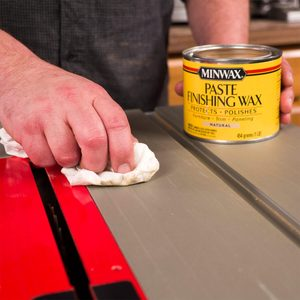 How to Use Paste Wax to Lubricate a Table Saw