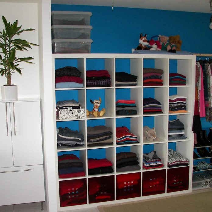 Use a Bookshelf