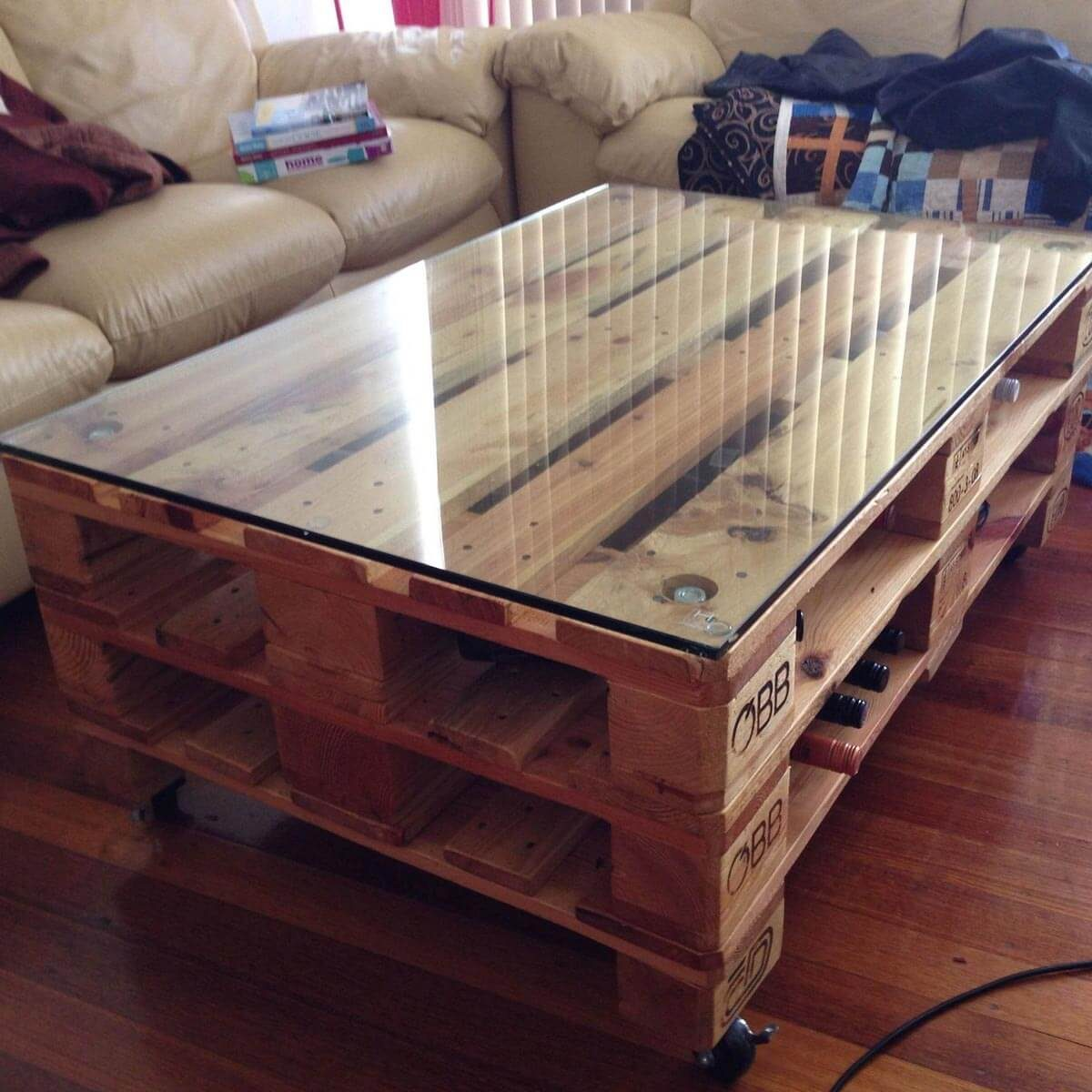 dfh14_pallettable Pallet Coffee Table