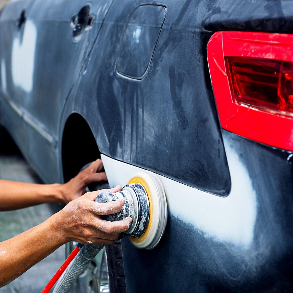 car body repair dfh4_shutterstock_226630414 sanding car paint