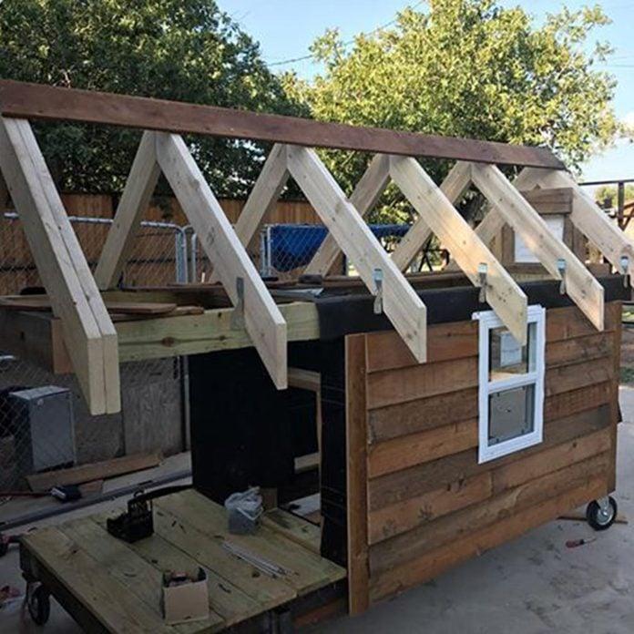dog house construction