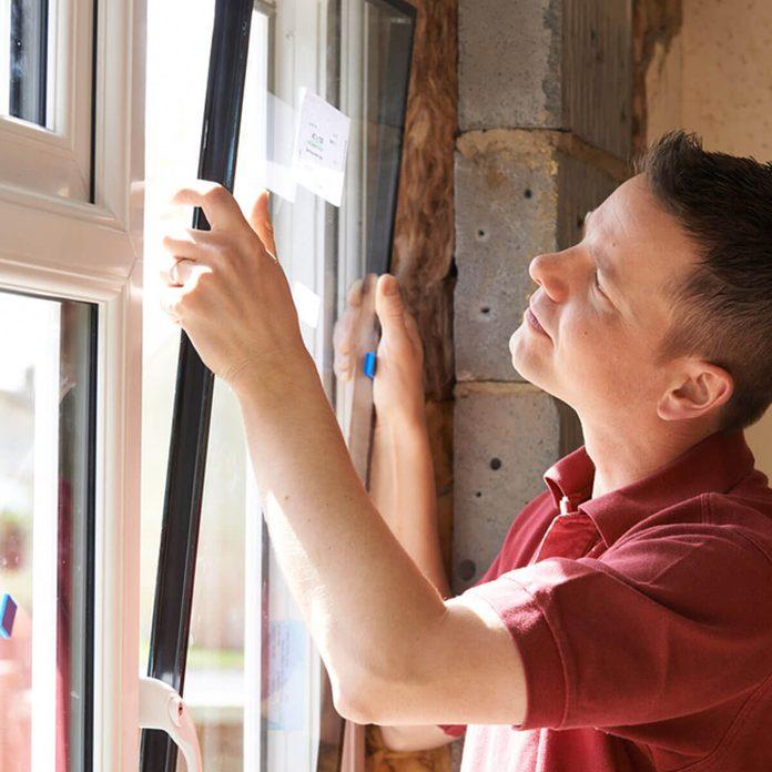 shutterstock_272248292 install window