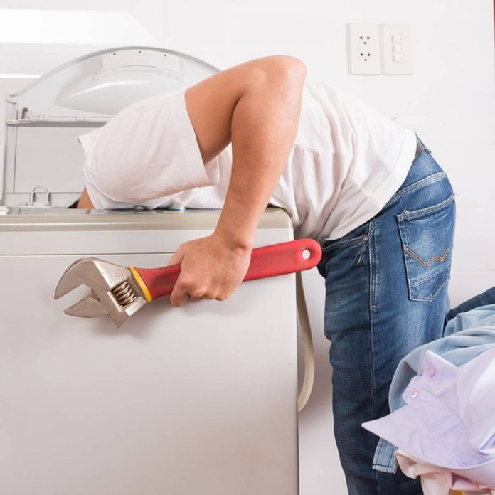 shutterstock_342891008 fix washing machine repair