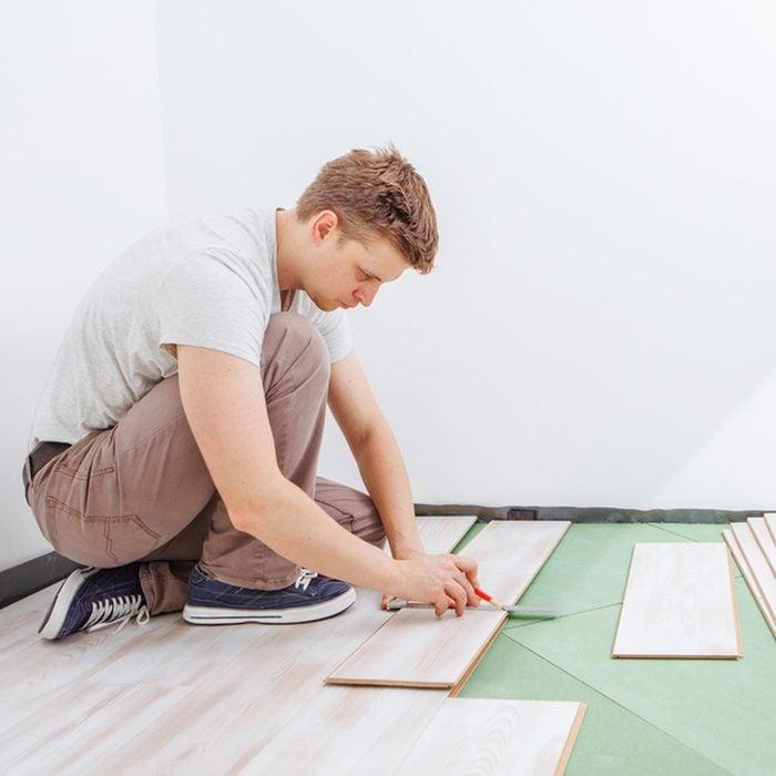 install laminate hardwood floors