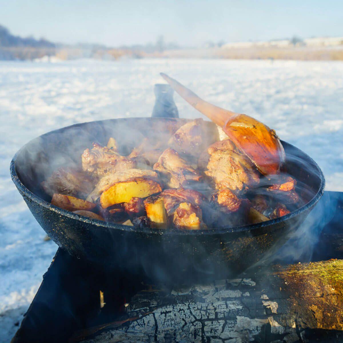 shutterstock_558409279 winter grilling