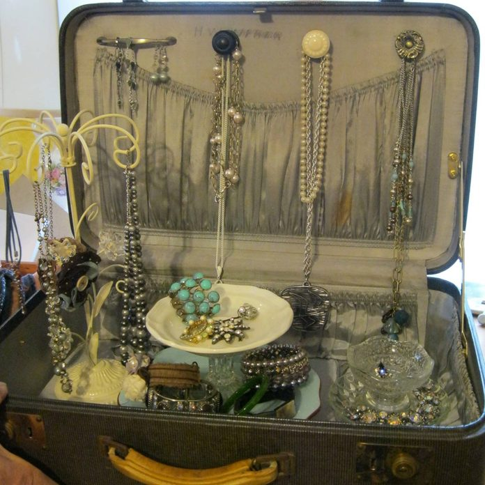 suitcasejewelry