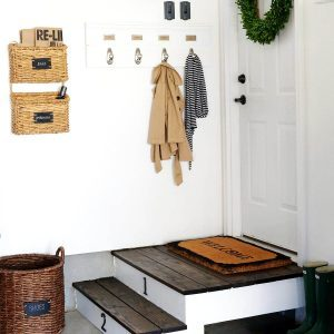 Tips for an Organized Mudroom
