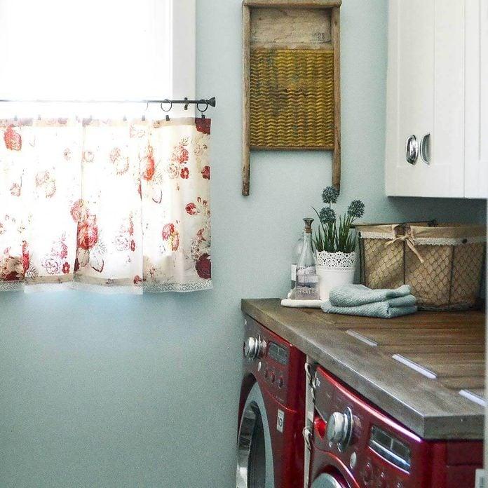 DSC_0035-1 laundry room folding station