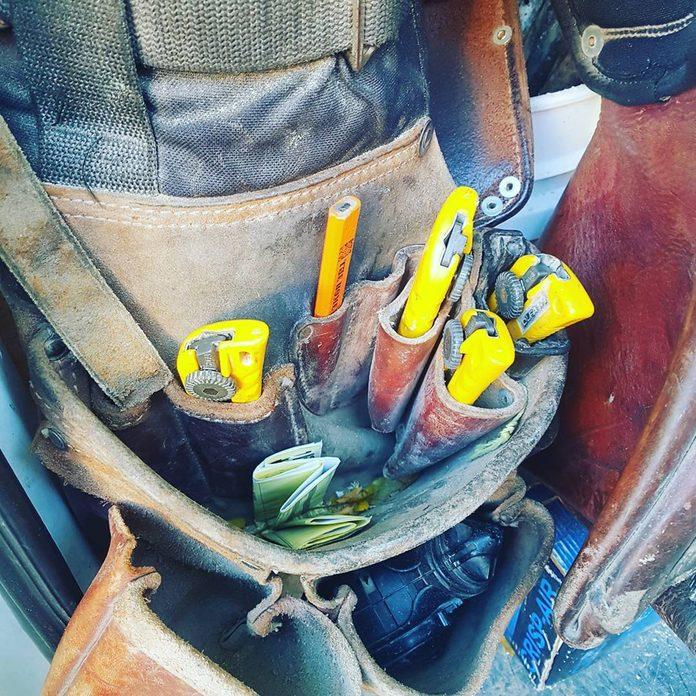 A tool belt full of knives