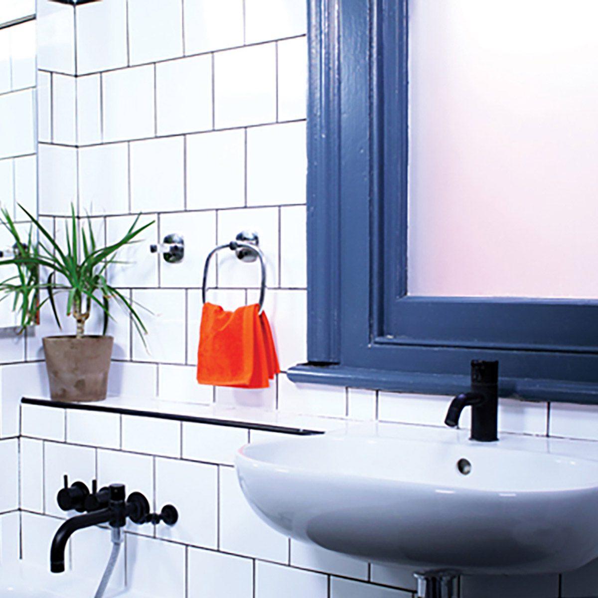 bathroom-accessories