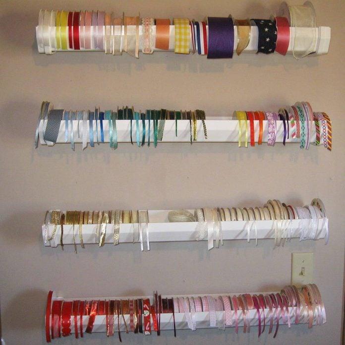 dfh7_rain-gutter-ribbon-holder