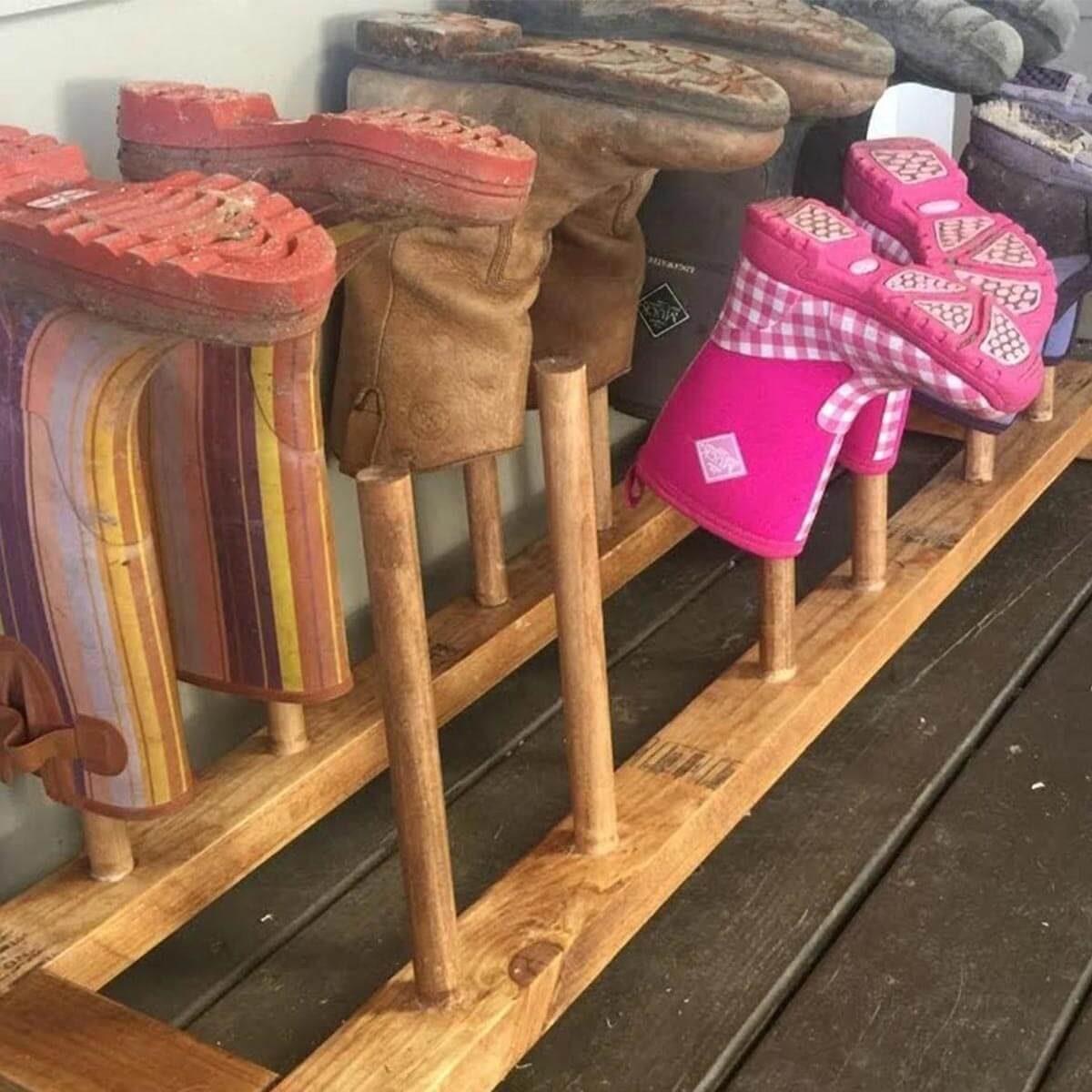 dowel-boot-rack