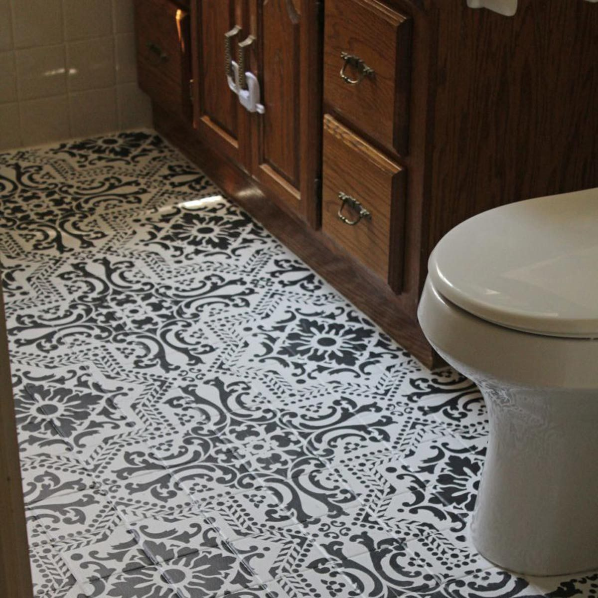 bathroom-makeover-tile-vanity