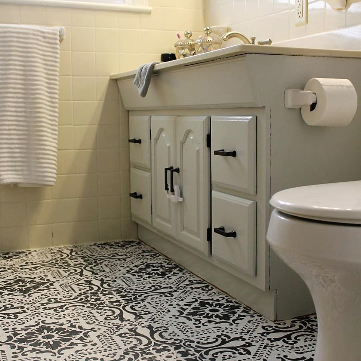 12 Astonishing Diy Bathroom Vanity Makeovers The Family