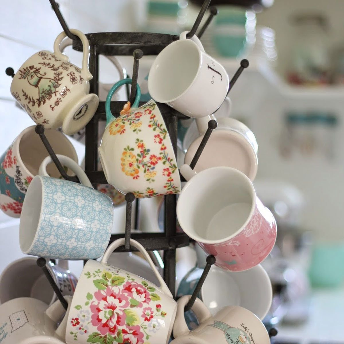 12 Best Mug Trees And Displays You Can Diy